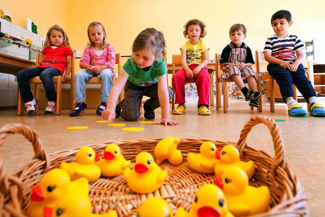 Wie viel darf Kinderbetreuung kosten? ...kutierte der Glottertäler Gemeinderat.  | Foto: dpa