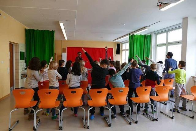 Kinder singen in Rheinfelden gegen sexuelle Gewalt