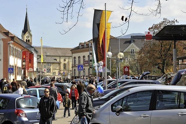 Verkaufsoffener Sonntag mit Autoschau in Müllheim
