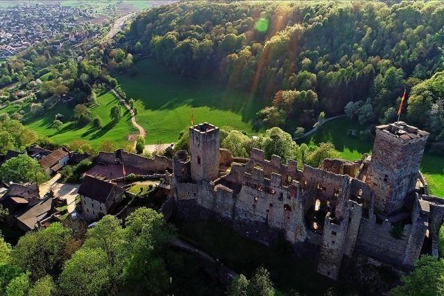 Neue Burgwächterführungen am Abend durch die Burg Rötteln