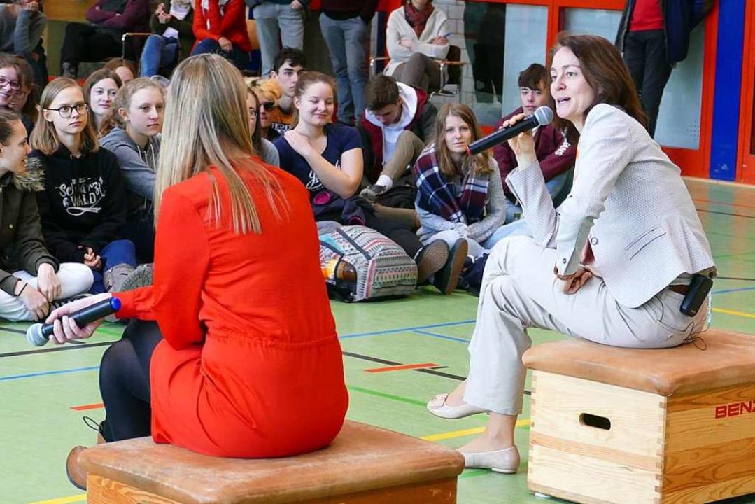 Bundesjustizministerin Katarina Barley...-Französischen Gymnasiums in Freiburg.  | Foto: Theresa Steudel