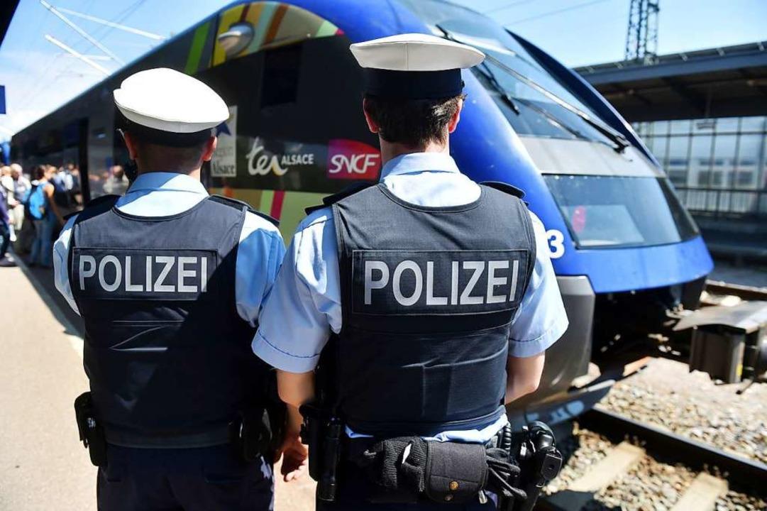 Bundespolizei auf dem Bahnhof Kehl  | Foto: dpa