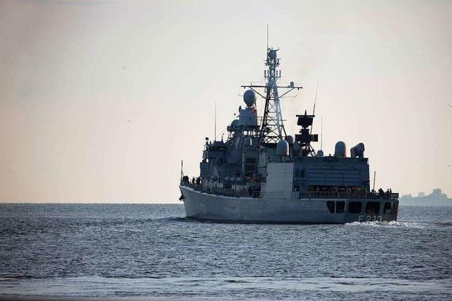 Marineeinsatz ausgesetzt: EU beobachtet Mittelmeer-Schleuser nur noch aus der Luft