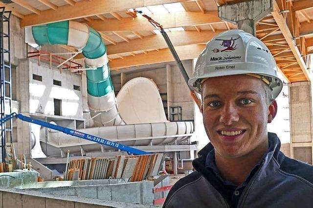Freiburger Student koordiniert den Einbau der Rulantica-Rutschen