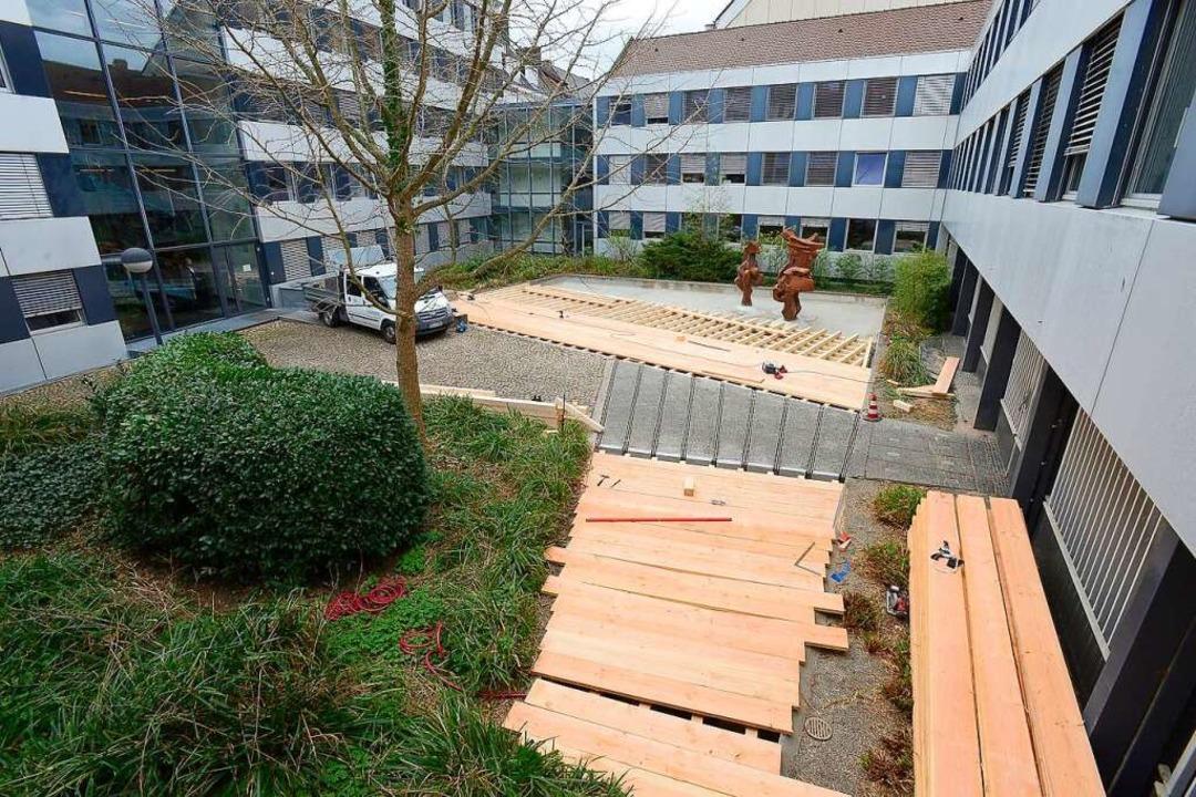 Aus für den Ententeich: Um Platz für d...rfläche vorübergehend überbaut werden.  | Foto: Ingo Schneider