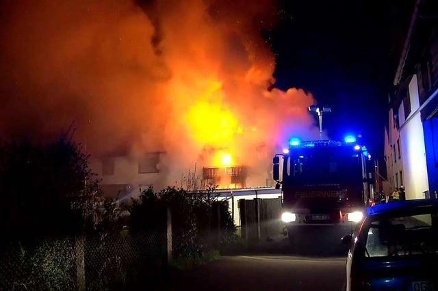 Dreifamilienhaus in Neuried abgebrannt – zwei Verletzte