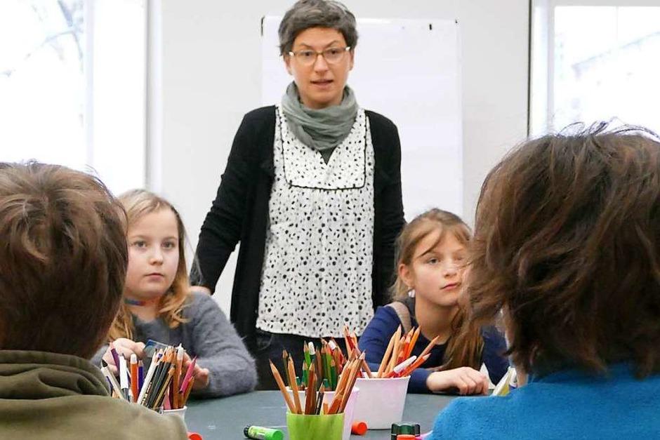 Birgit Güde vom Literaturhaus begrüßte die Zisch-Reporter aus Staufen. (Foto: Sonja Zellmann)