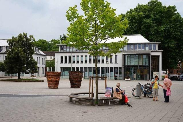 Lahrer wünschen sich für den Rathausplatz Sitze, Pflanzen und Wasser