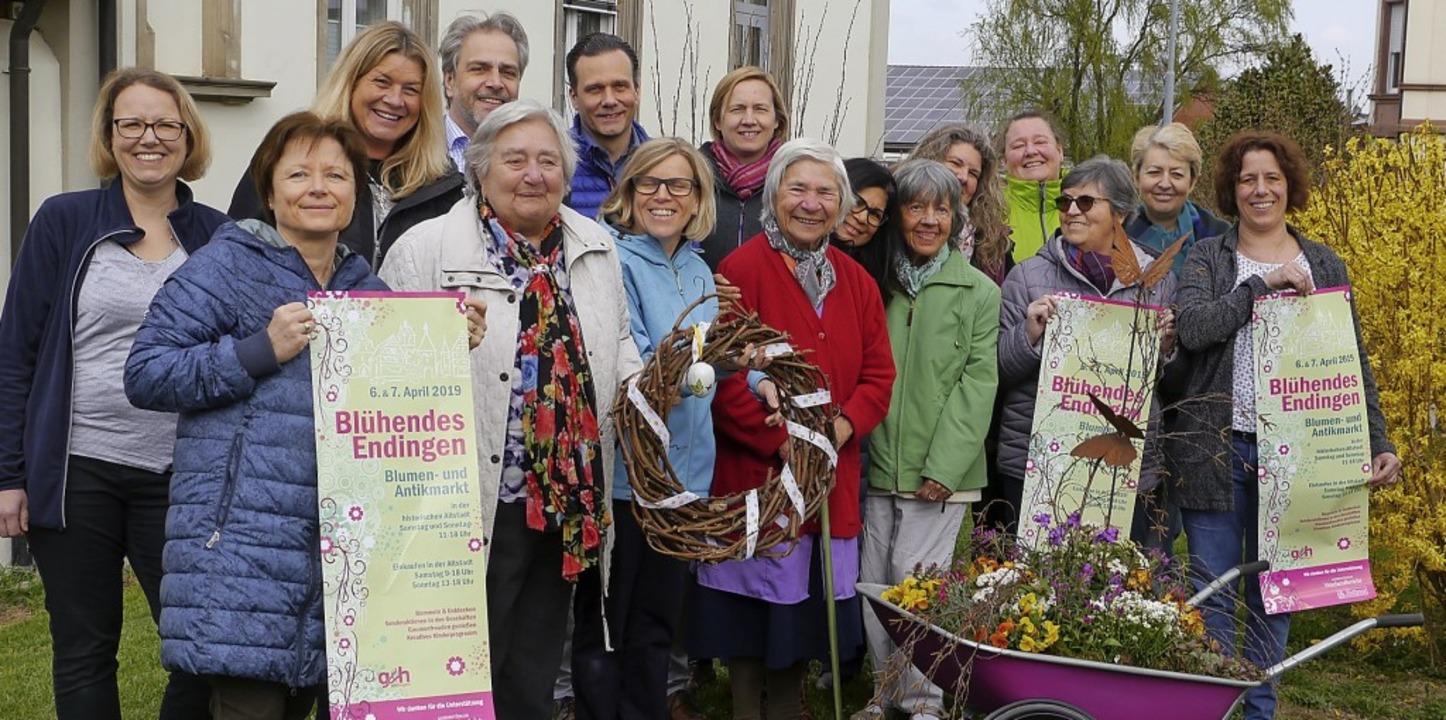 Mit den Bewohnern der Villa Schwobthal...hendes Endingen noch größer geworden.     Foto: Christel Hülter-Hassler
