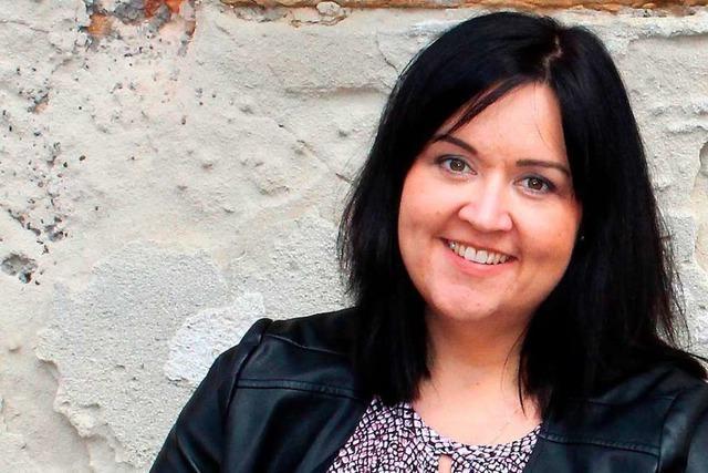 Simone Moos aus Kandern will als Schlagersängerin durchstarten