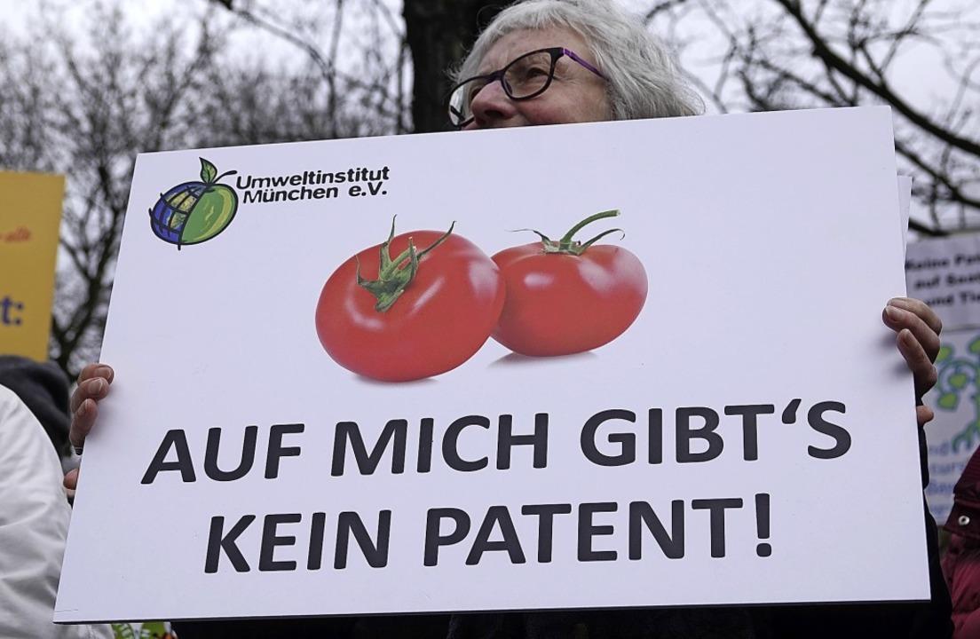 Protest gegen Patente auf Lebensmittel...dem Europäischen Patentamt in München   | Foto: dpa