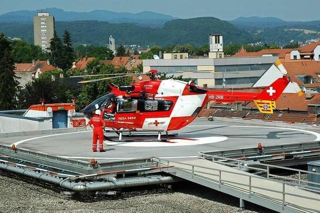 Fahrradfahrer verunglückt in Haltingen schwer und muss mit dem Rettungshubschrauber nach Freiburg geflogen werden