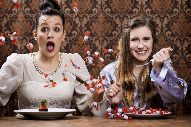 Comedy-Duo Pumpernickel gibt Vorstellung in der Young Stage Academy in Laufenburg