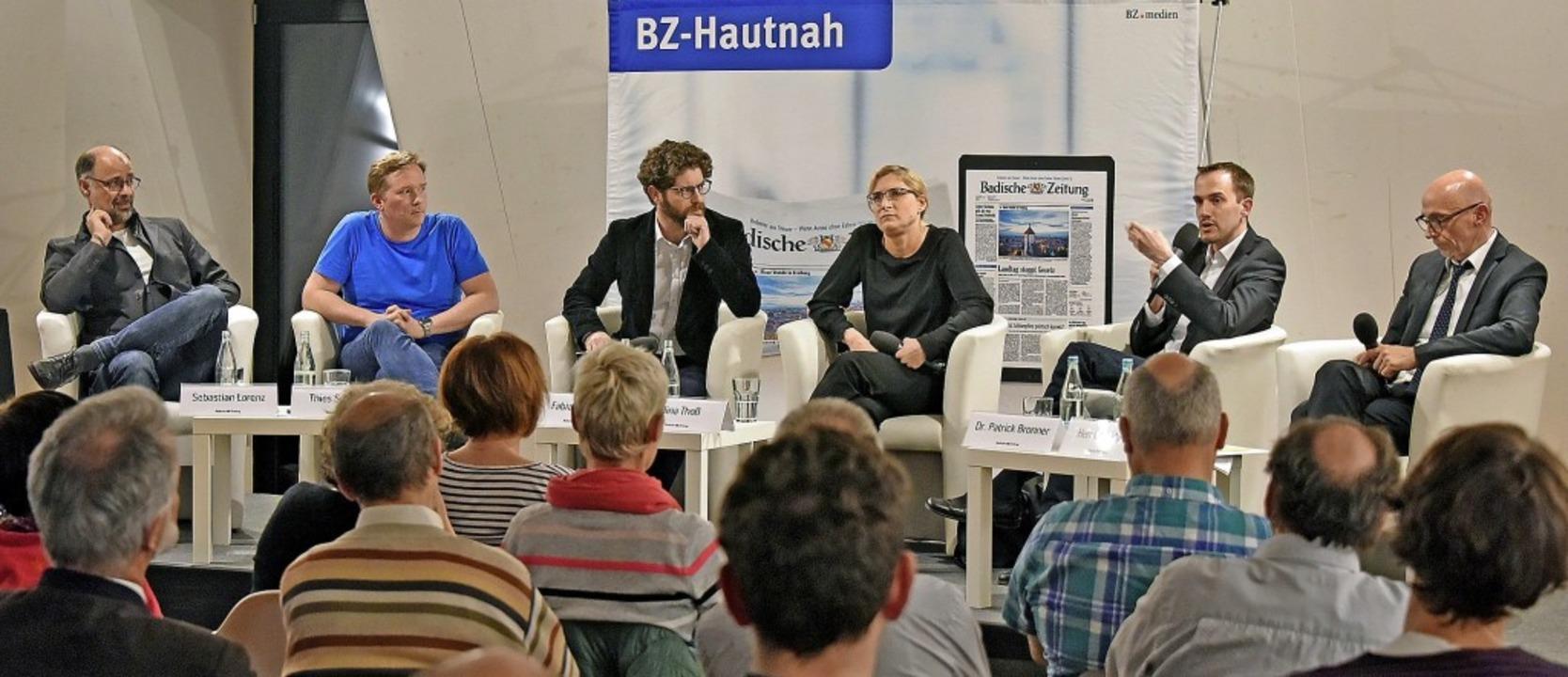 An der engagierten Diskussion im Humbo... Thoß, Patrick Bronner, Hermann Maier.  | Foto: M. Bamberger