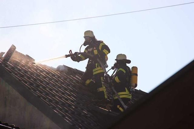 Großeinsatz der Feuerwehr in der Ihringer Ortsmitte
