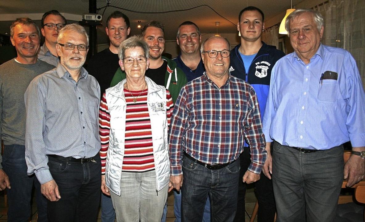 Der langjährige Vorsitzende Winfred St... für ihre Vereinstreue ausgezeichnet.   | Foto: Elisabeth JAkob-Kölblin