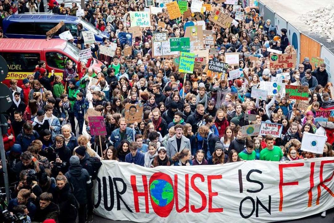 Am Freitag fanden wieder viele Demonst... 20.000 Schülerinnen und Schüler teil.    Foto: dpa