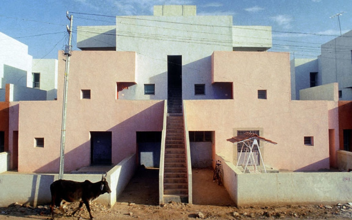 In Doshis Arbeiten ist sozialer Wohnun...nce Corporation of India in Ahmedabad.  | Foto:  Vastushilpa Foundation
