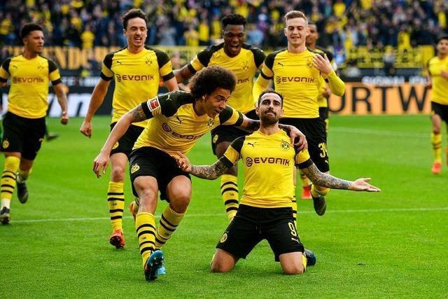 Dortmund siegt spät und ist neuer Tabellenführer
