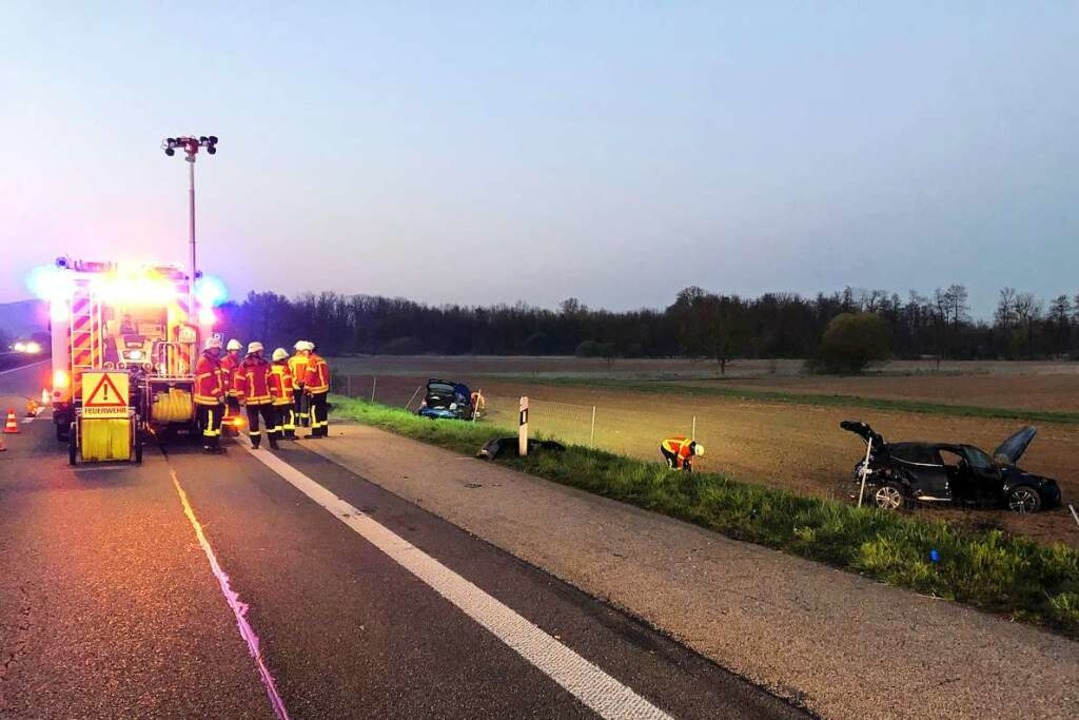 Zwei Fahrzeuge waren auf der A5 kollid...ückte aus - musste aber nicht viel tun  | Foto: Feuerwehr Emmendingen