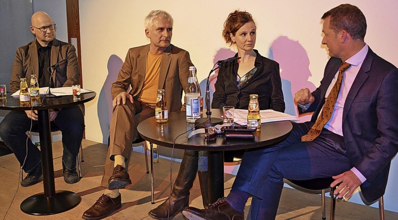 Auf dem Podium diskutierten Christoph ...r,  Kerstin Müller und Ulrich Lusche.   | Foto: Britta Wieschenkämper