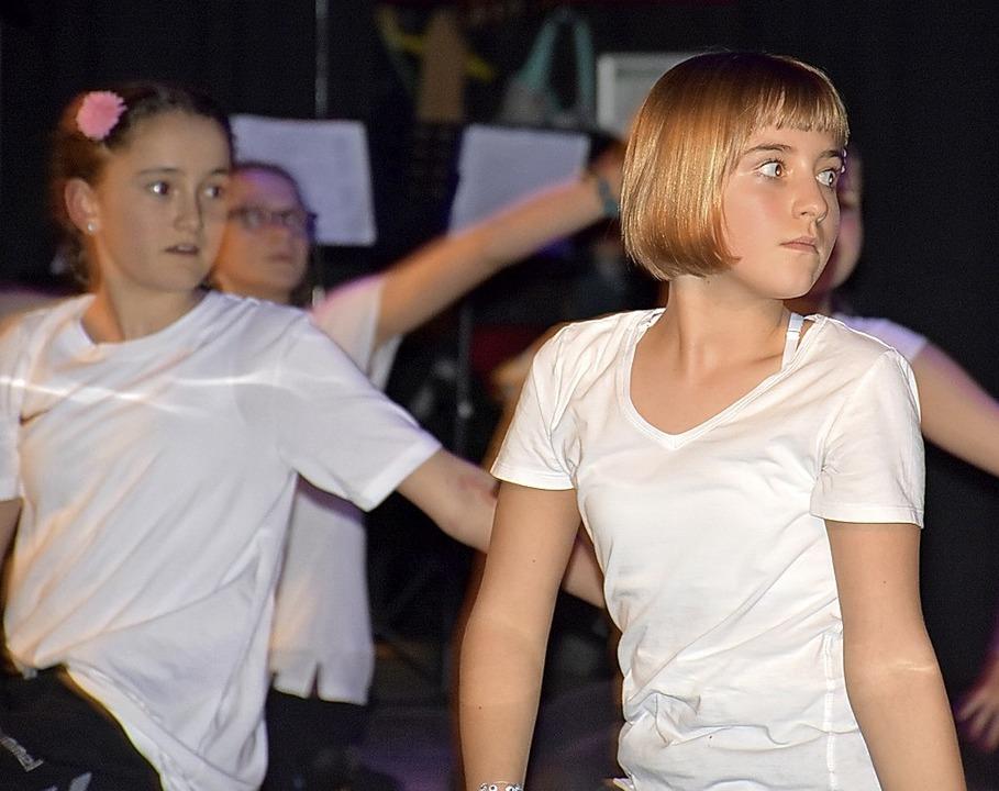 Beim Kulturabend der Realschule wurde ...iel Charme durch das Programm geführt.  | Foto: Thomas Biniossek