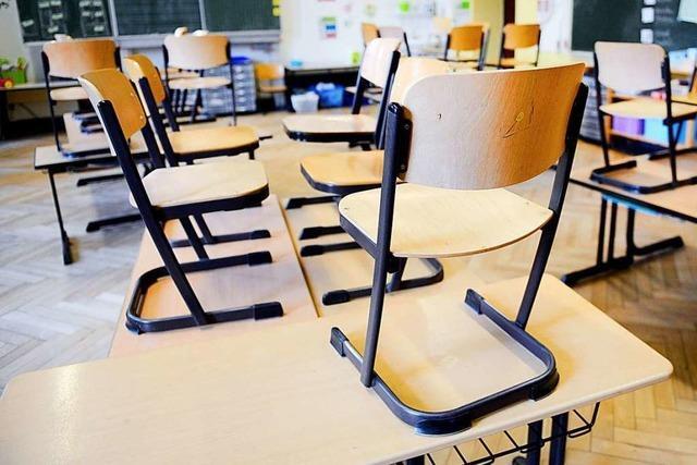 107 Stunden Unterrichtsausfall – Freiburger Vater droht Land mit Klage