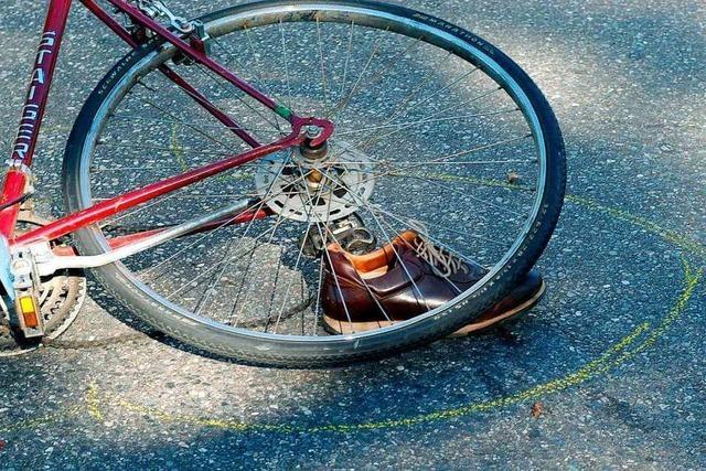 Fahrradfahrer stürzt in Lörrach einen Hang hinunter und verletzt sich