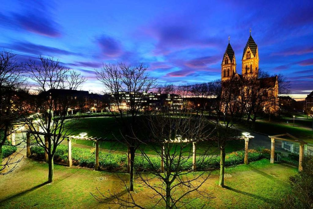 Sieht oft idyllisch aus, ist aber für ... der Stühlinger Kirchplatz bei Nacht.   | Foto: Thomas Kunz