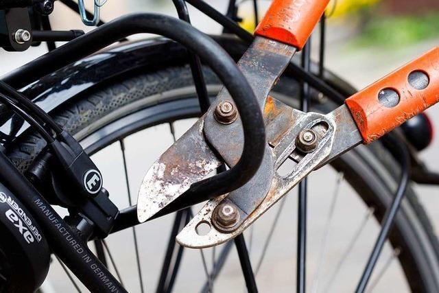 Mutmaßliche Fahrraddiebe in Freiburg-Stühlinger auf frischer Tat ertappt