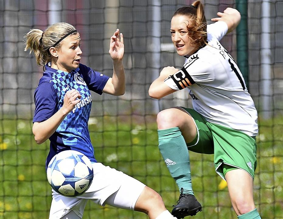 Toreschießen als Kernproblem: Nadine W... dem FCH gegen Magdalena Kleins PSV.    | Foto: ake