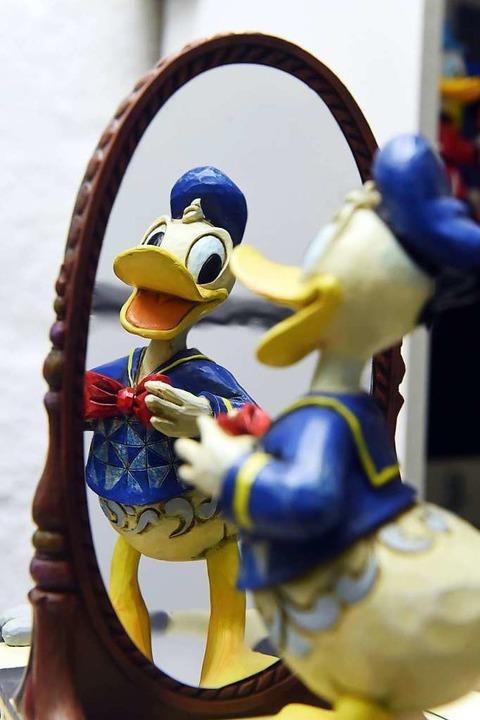 Beschäftigt Experten seit Jahren: Donald Duck, Comicfigur aus dem Hause Disney.  | Foto: dpa