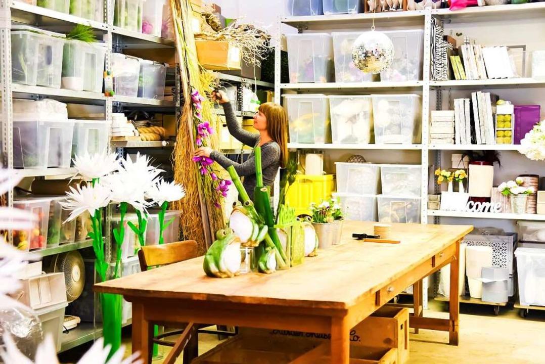 Die Werkstatt von Andrea Henrich ist e...organisierter Fundus von Dekoschätzen.    Foto: Rückgrat Fitness Center