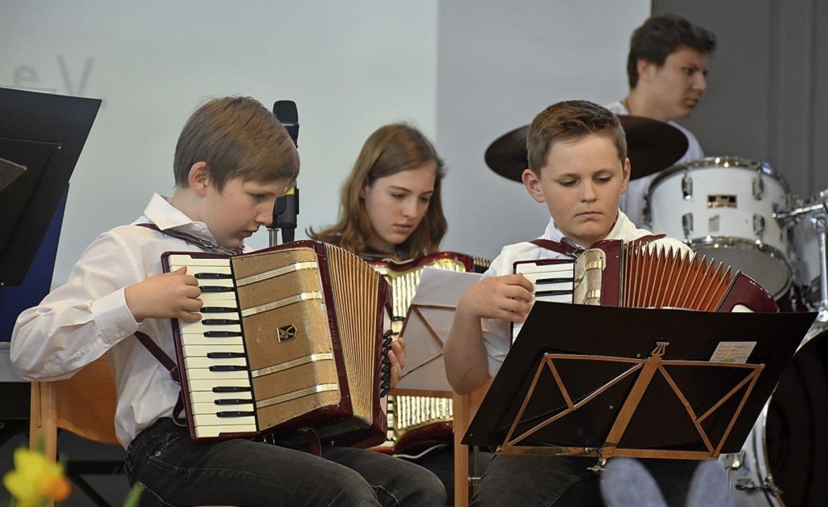 Hochkonzentriert sind die jungen Spieler bei der Sache.   | Foto: Thomas Biniossek