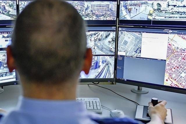 Neues Überwachungssystem: Polizisten sahen einen Totschlag auf dem Bildschirm