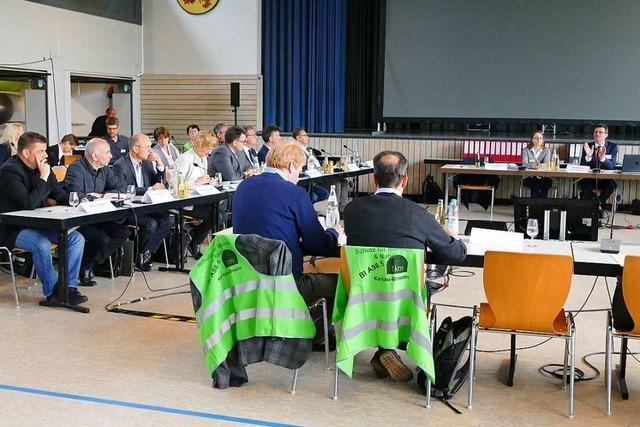 Erörterung zur A 98 im Abschnitt fünf läuft, großes Behördenaufgebot in Minseln