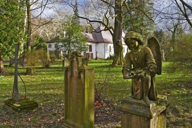 Eine Datenbank zeigt, welche Gräber auf dem Alten Friedhof saniert werden müssen