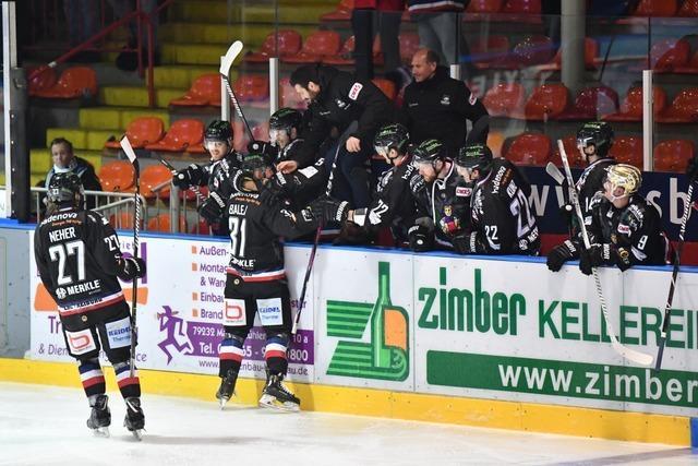 Der EHC Freiburg gewinnt überzeugend mit 7:3 gegen Deggendorf