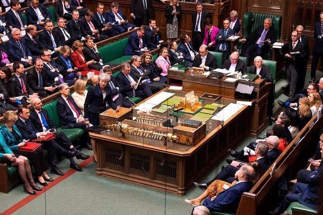 Britisches Unterhaus stimmt mit nur einer Stimme Mehrheit für Brexit-Verschiebung
