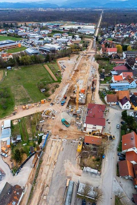Am Bahnhof in Gottenheim entsteht der Bahn-Verkehrsknoten neu.  | Foto: Matthias Weniger