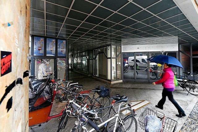Das leerstehende Sportarena-Gebäude in Freiburg soll belebt werden