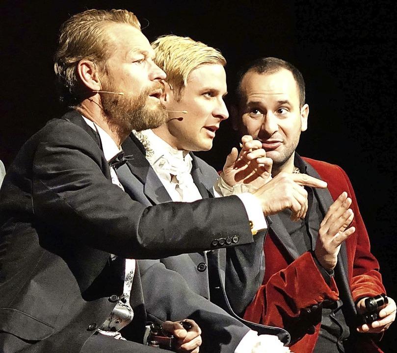 Dandys unter sich: Steffen Wink, Chris...8220; in der Schopfheimer Stadthalle.   | Foto: Roswitha Frey