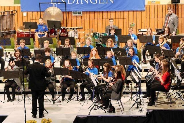 Dirigent Fabio Croce hat beim Jahreskonzert der Stadtmusik Endingen seine Premiere