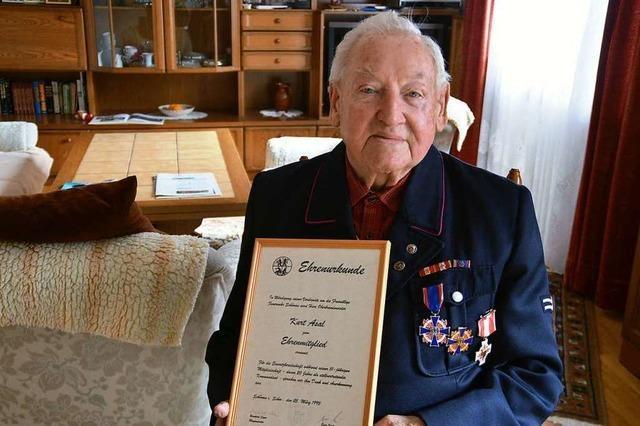 Kurt Asal aus Schönau ist seit 75 Jahren bei der Feuerwehr