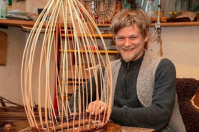 Daniel Schenk aus Niederweiler ist einer von wenigen Korbflechtern