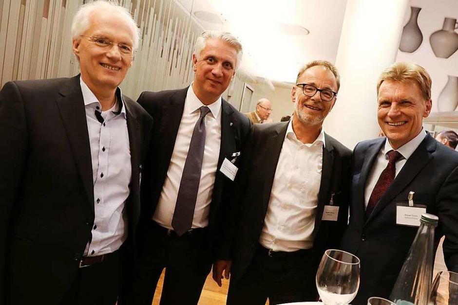 Impressionen von der Jobmotor-Party am Freitag in der Meckelhalle der Sparkasse Freiburg-Nördlicher Breisgau. (Foto: Christoph Breithaupt)