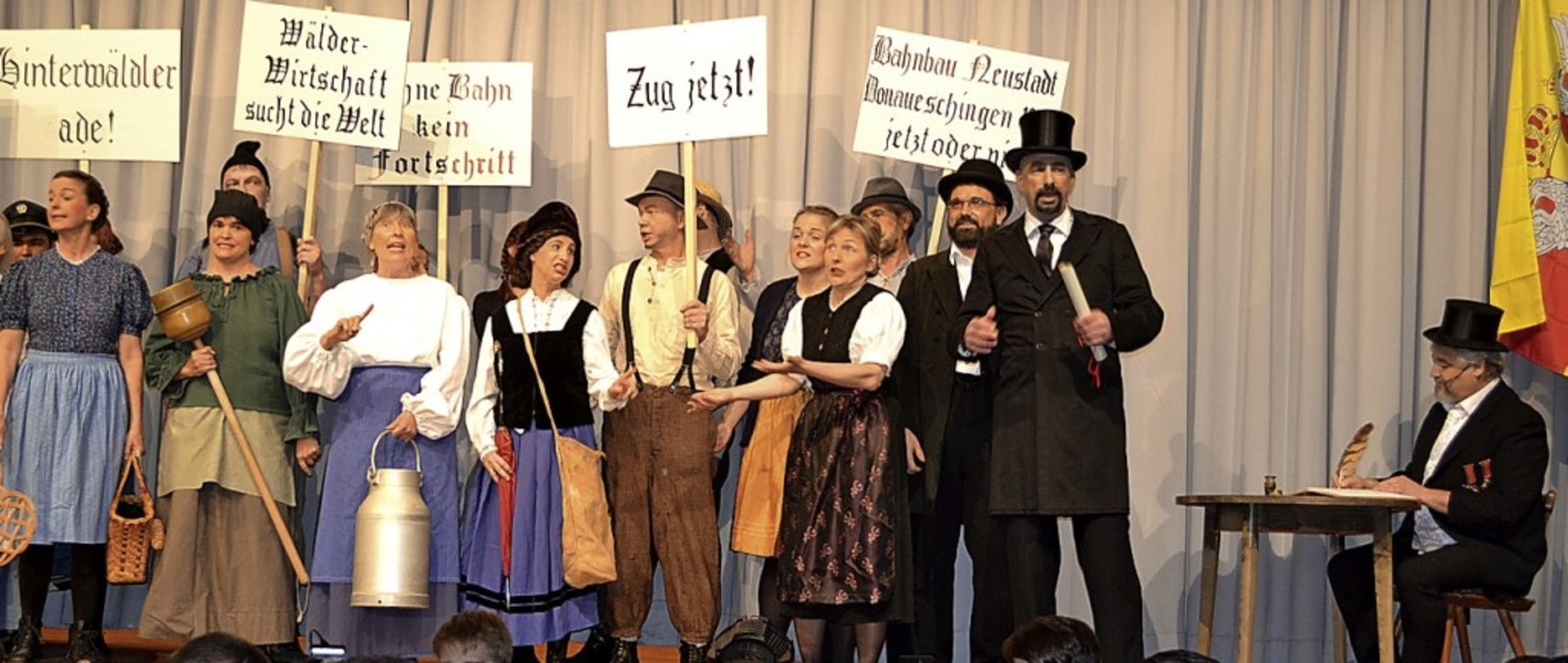 Bürgermeister Winterhalder (Armin Hase...f Langenbacher, rechts) eine Petition.  | Foto: Liane Schilling