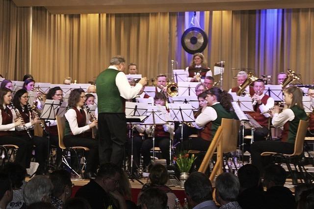 Musikverein Willaringen spielt