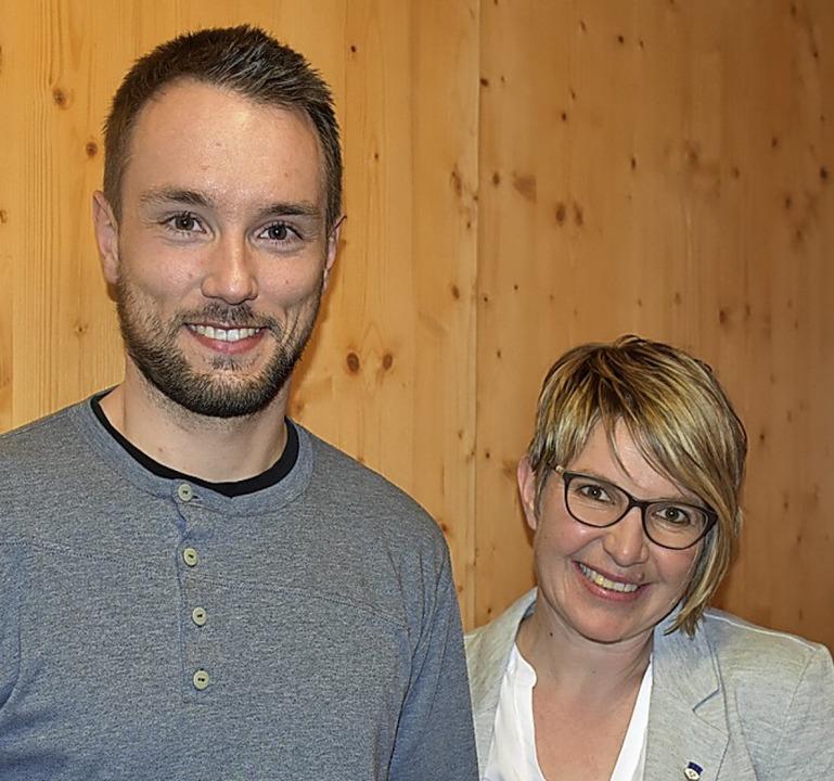 Wurden für 25 Jahre Mitgliedschaft in ...hrt: Stefan Kienzler und Anita Hensler  | Foto: Thomas Biniossek