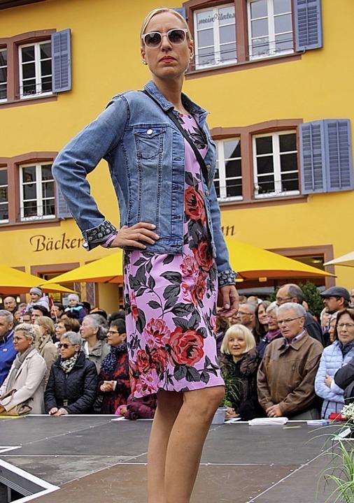 Egal ob im zarten Pastellton oder in k...gen Farben - erlaubt ist, was gefällt.  | Foto: Hans Jürgen Kugler
